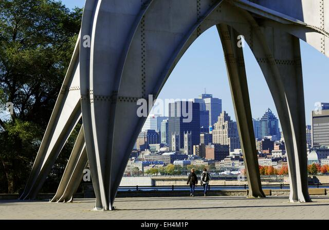 Canada, Quebec, Montreal, St. Helen's Island, Parc Jean Drapeau, sculpture Man by Alexander Calder and in the - Stock Image