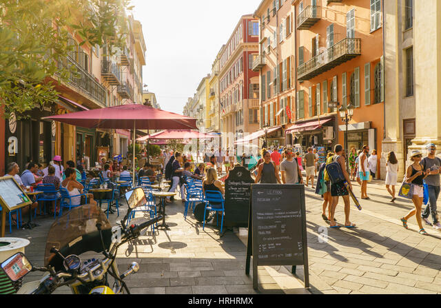 Street in the Old Town, Vieille Ville, Nice, Cote d'Azur, Alpes-Maritimes, French Riviera, France - Stock-Bilder