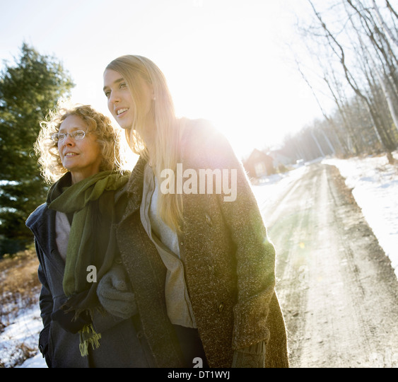 Mother and Daughter Outdoors Winter - Stock-Bilder