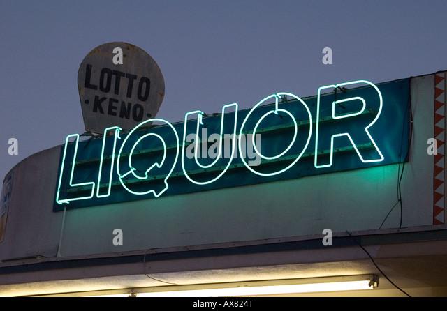 Liquor store sign in San Diego - Stock-Bilder