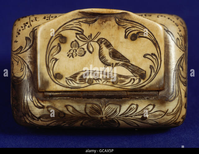 fine arts, folk art, carved drawing, bird with flower, horn, rural snuff box, 19th century, - Stock Image