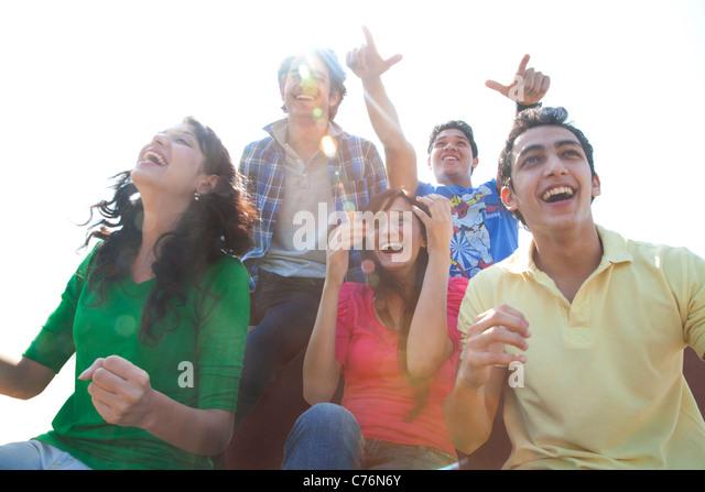 Youngsters cheering - Stock-Bilder