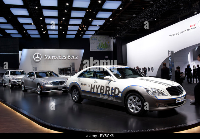 Mercedes S400 plug-in hybrid sedan at the 2011 North American International Auto Show in Detroit - Stock Image