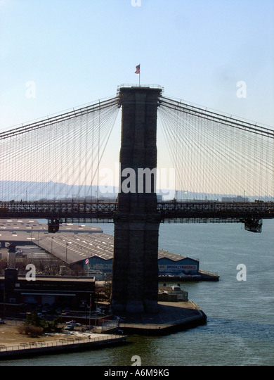View of Brooklyn Bridge from Manhattan Bridge New York City NYC - Stock Image