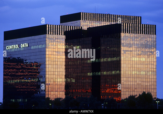 FORMER CORPORATE HEADQUARTERS OF NOW DEFUNCT CONTROL DATA CORPORATION IN BLOOMINGTON, MINNESOTA.  DUSK. - Stock Image