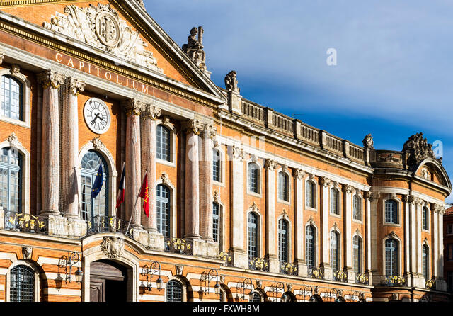 Europe. France. Midi-Pyrenees. Toulouse. The famous Capitole place. Facade of Twon Hall. - Stock Image