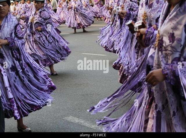 Bolivian migrants in Argentina celebrate the Virgen de Copacabana  the patron saint of Bolivia in traditional clothes - Stock-Bilder
