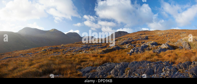 Looking across Glencorbet to the Twelve Bens, Connemara, Co Galway, Ireland. - Stock-Bilder