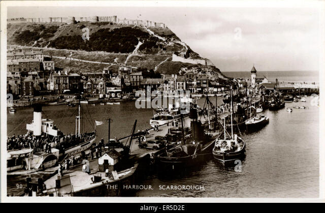 The Harbour, Scarborough, Yorkshire, England.  1940s - Stock Image