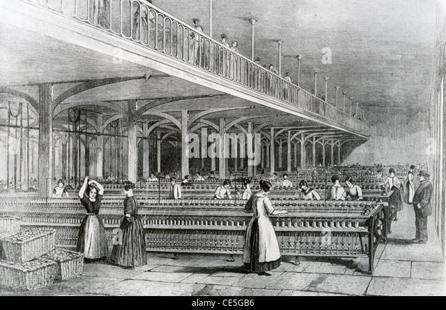 COTTON SPINNING at Dean Mills, Manchester, in 1851 - Stock-Bilder