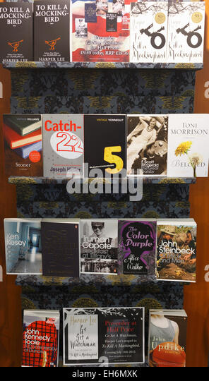 Display of classic vintage literature in Waterstone's bookshop. - Stock Image