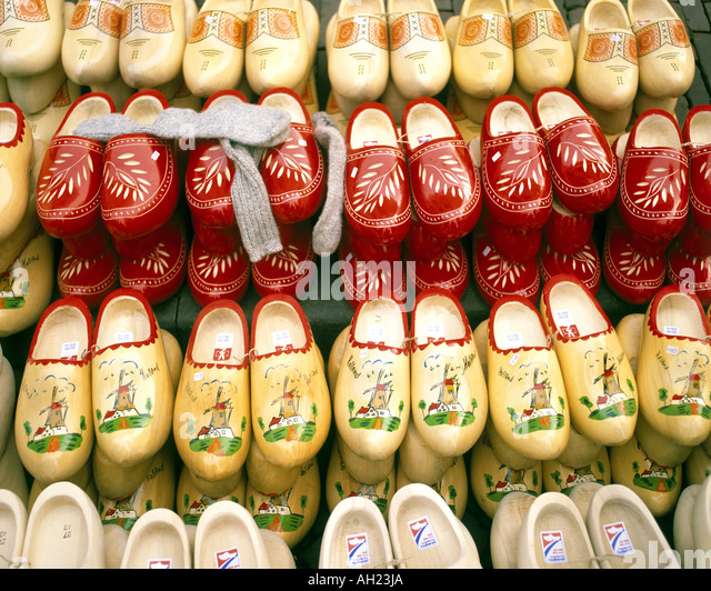 NL - HOLLAND: Traditional Clogs on Display - Stock Image