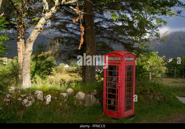 telephone box red original torrin village moody - Stock Image