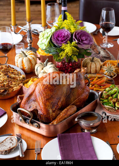 New York, NY  Chef Tom Colicchio prepares a Thanksgiving meal at his restuarant Kraft. - Stock Image