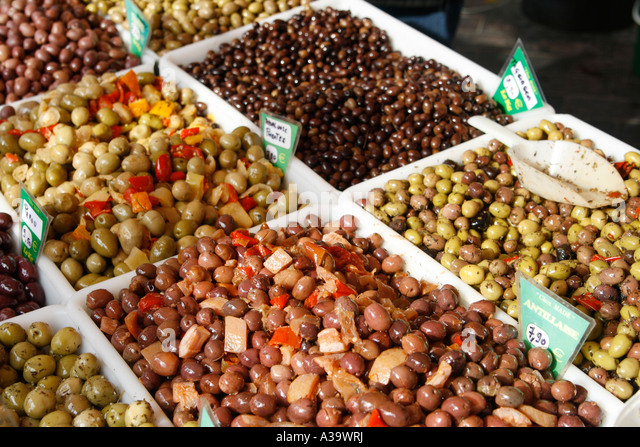 France Nice Cours de Saleya market stall olives - Stock Image