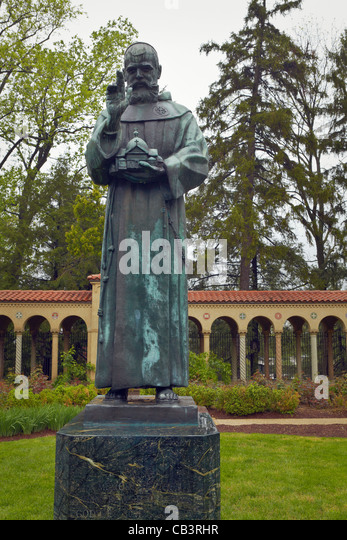 The statue of Father Godfrey Schilling, in the courtyard of the Mount St. Sepulchre Franciscan Monastery, Washington, - Stock Image