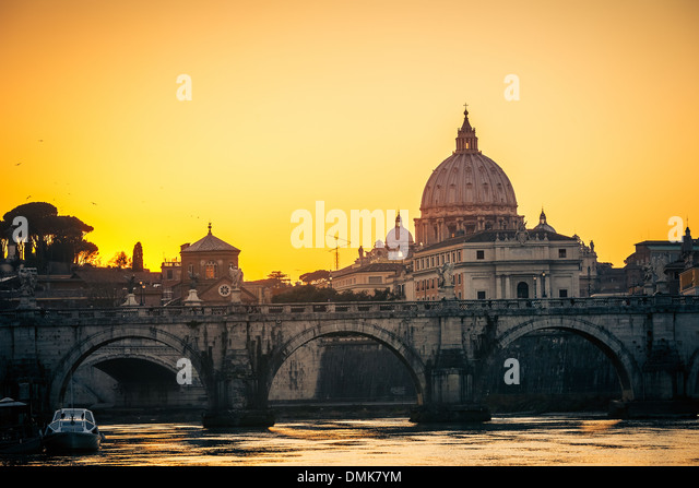 St. Peter's cathedral at dusk, Rome - Stock Image