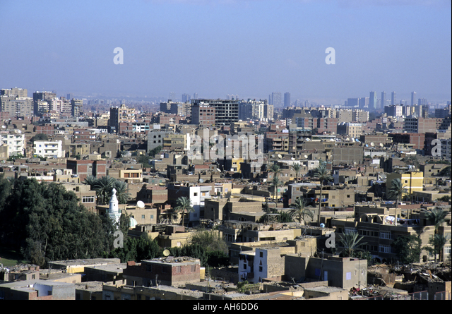 View of cityscape from Giza, with the suburb of Nazlet and Samaan District visible, Cairo, Egypt. - Stock Image