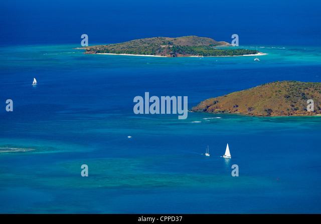 Virgin Gorda, British Virgin Islands, Caribbean: Elevated view of the turquoise North Sound and Leverick Bay from - Stock-Bilder