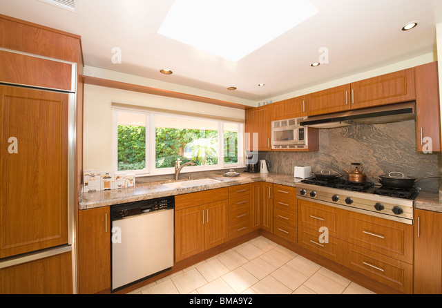 Kitchen units stock photos kitchen units stock images for Wooden fitted kitchen