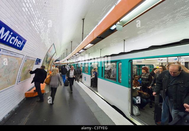 Metro paris stock photos metro paris stock images alamy - Saint michel paris metro ...