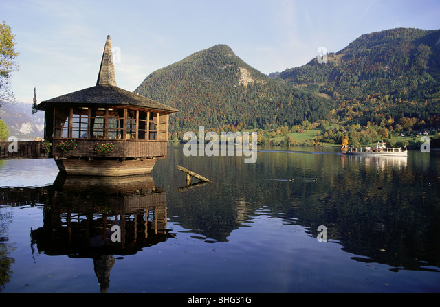 geography / travel, Austria, Styria, landscapes, view of the Grundlsee (Grundl Lake), water pavilion, Europe, Alps, - Stock Image