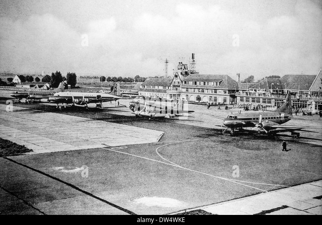 Archival picture of Douglas DC-3 fixed-wing propeller-driven airliners at Sabena airport in Melsbroek, Belgium - Stock Image
