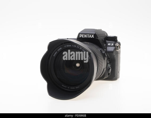 Pentax K3 DSLR camera with Sigma 17-50 f2.8 zoom lens - Stock Image