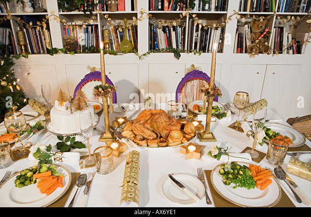 Place settings for christmas dinner - Stock Image