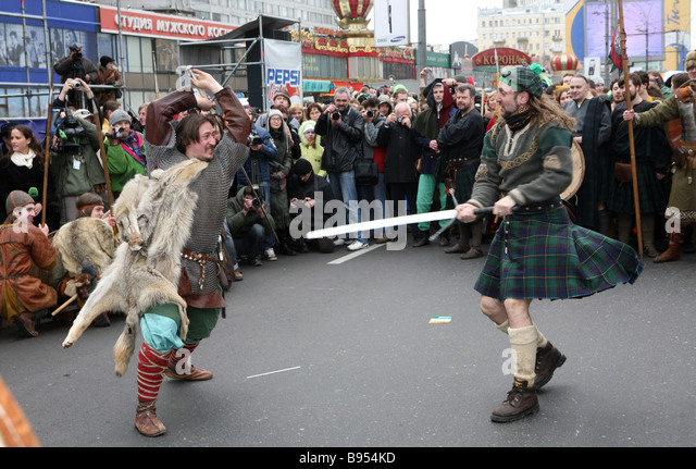 Medieval battle dance in St Patrick s Day parade Novy Arbat one of Moscow s central streets - Stock Image