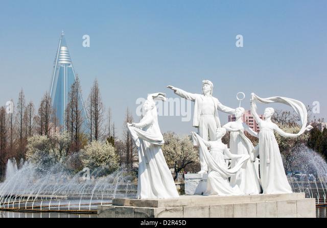 Pyongyang fountains in front of the Pyongyang Indoor Stadium, Pyongyang, North Korea - Stock Image