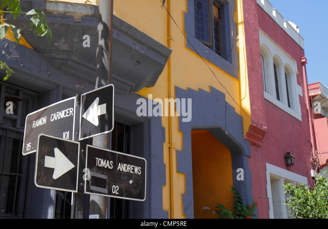 Chile Santiago Providencia Calle Tomas Andrews residential neighborhood flats apartments housing street sign direction - Stock Image