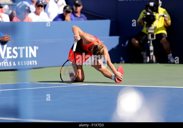 Flushing Meadows, New York, USA. 07th Sep, 2015. Simona Halep, the number 2 seed from Romania, stretches during - Stock Image