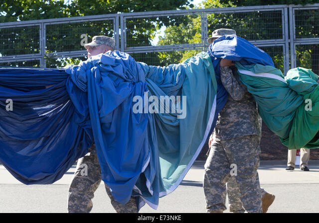 Seattle, Washington, USA. 4th September, 2014. Banner Carriers, NFL Kickoff 2014 Activities - Seattle Seahawks vs - Stock Image