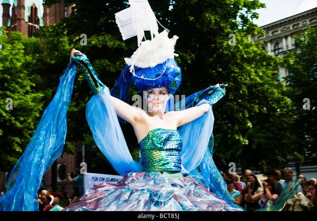 Costumed participant at the Karneval der Kulturen Carnival of Cultures, Kreuzberg district, Berlin, Germany, Europe - Stock-Bilder