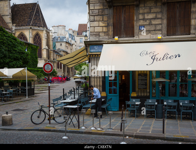 Bistro chair paris stock photos bistro chair paris stock for Cafe jardin du luxembourg