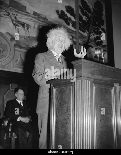 albert einstein essay 18 Nobel prize-winning physicist albert einstein finds beauty in life's mysteries, and says the fate of mankind depends on individuals choosing public service over private gain.