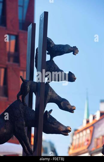 Latvia. Monument characters tales of Bremen musicians in the old center of Riga - Stock Image