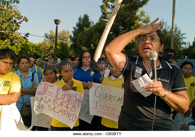The Children's Initiative of Latino Health Access protesting violence. - Stock Image
