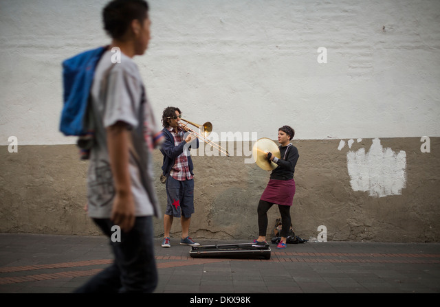 Buskers in Quito, Ecuador. - Stock Image