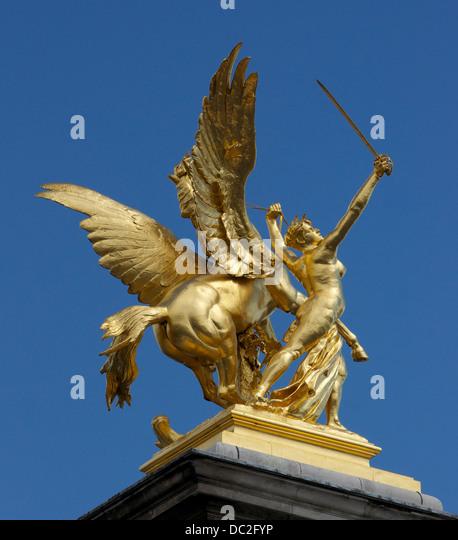 'Fame in Combat', left bank (upstream), Alexandre III bridge, Paris. - Stock Image