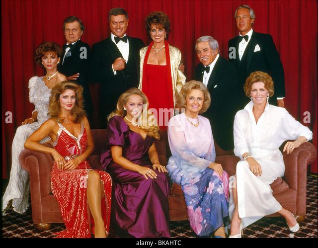 DALLAS (TV) VICTORIA PRINCIPAL, KEN KERCHEVAL, PRISCILLA PRESLEY, LARRY HAGMAN, CHARLENE TILTON, LINDA GRAY, DONNA - Stock Image