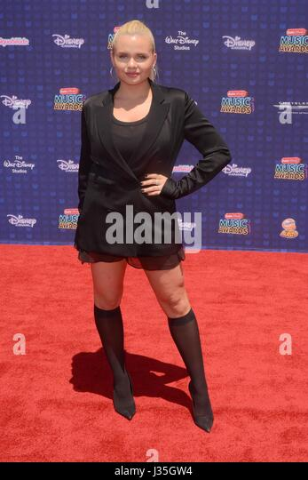 Alli Simpson at arrivals for Radio Disney Music Awards - ARRIVALS, Microsoft Theater, Los Angeles, CA April 29, - Stock-Bilder