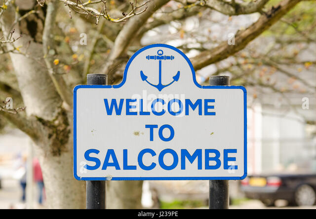 Sign saying welcome to Salcombe in the pretty Devon sailing town - Stock Image