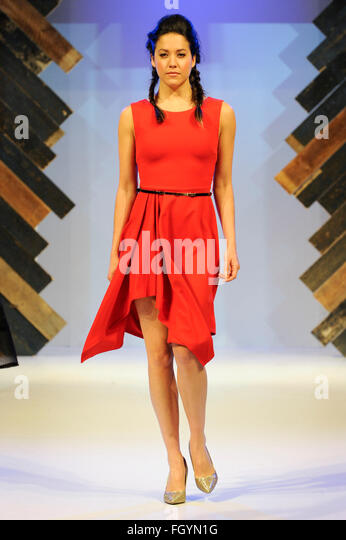 Model on the catwalk at Moda, Birmingham NEC, UK, 22nd February 2016. Credit:  Antony Nettle/Alamy Live News - Stock-Bilder