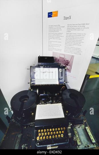 enigma code breaking machine