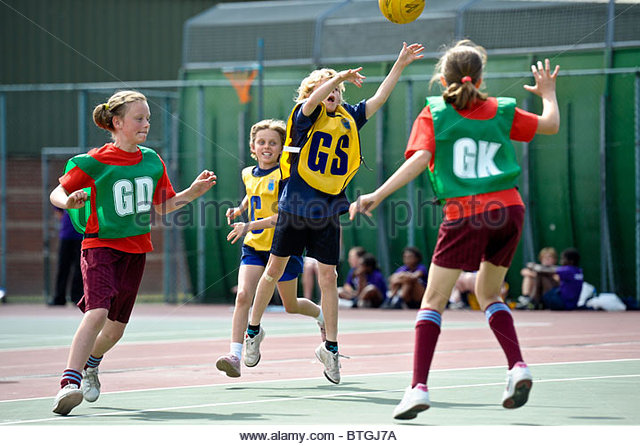 Young people taking part in Netball Game. Photos by Alan Edwards. F2images  - Stock Image