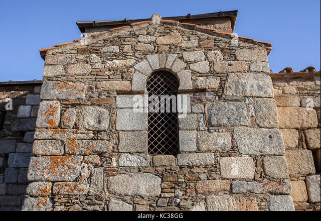 Visigothic Basilica of Santa Lucia del Trampal, Alcuescar, Spain. Windows detail - Stock Image