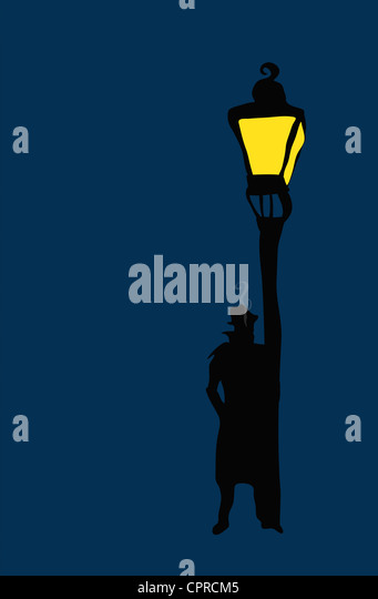 Silhouette of private detective standing smoking next to a lamp post. - Stock-Bilder