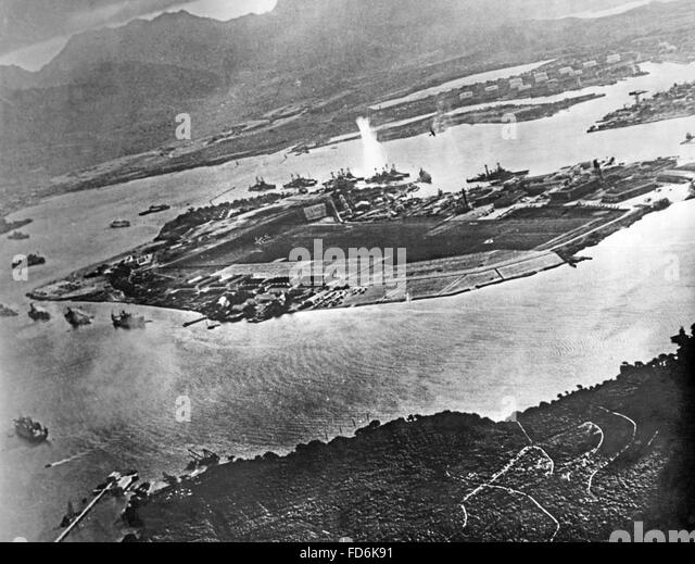 the background of the japanese attack on pearl harbor in 1941 and the road to war Pearl harbor attackus battleship sinking during the japanese attack of pearl harbor, hawaii, december 7, 1941national archives, washington, dc how did roosevelt precipitate the conflict.